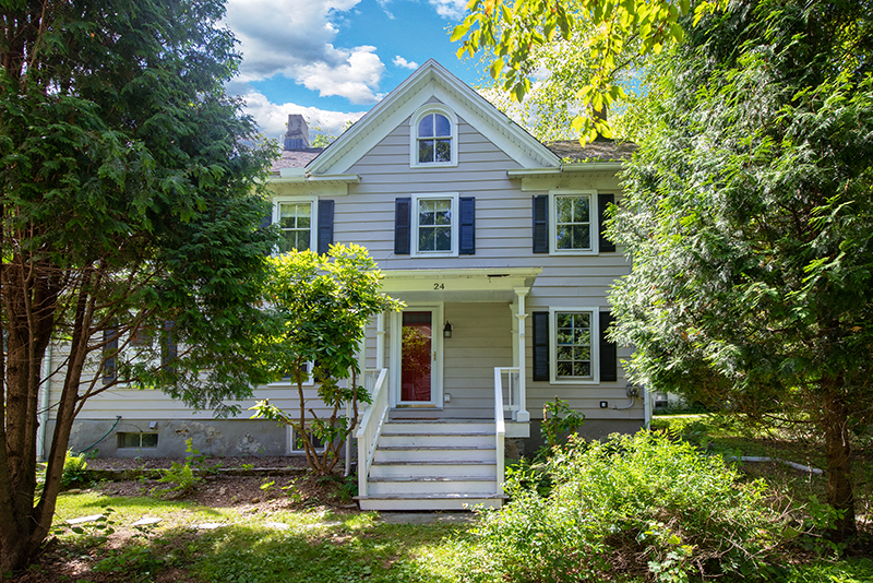 24 Academy Street, Califon, NJ